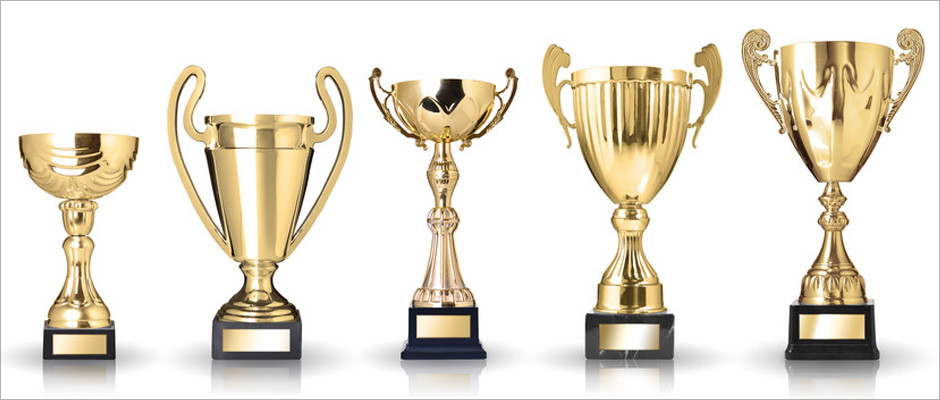 Make The Occasion Beautiful By Using A Custom Trophy